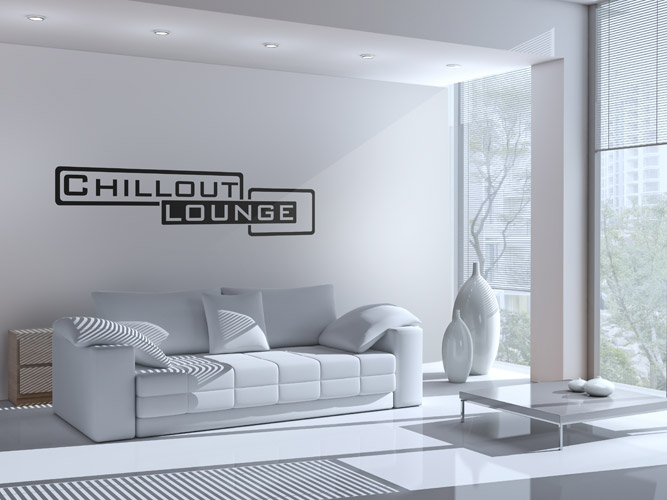 Heller Raum mit Wandtattoo Chillout Lounge