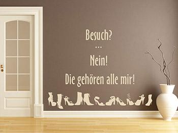 Schuhtick Wandtattoo Spruch In Beige Auf Brauner Wand^