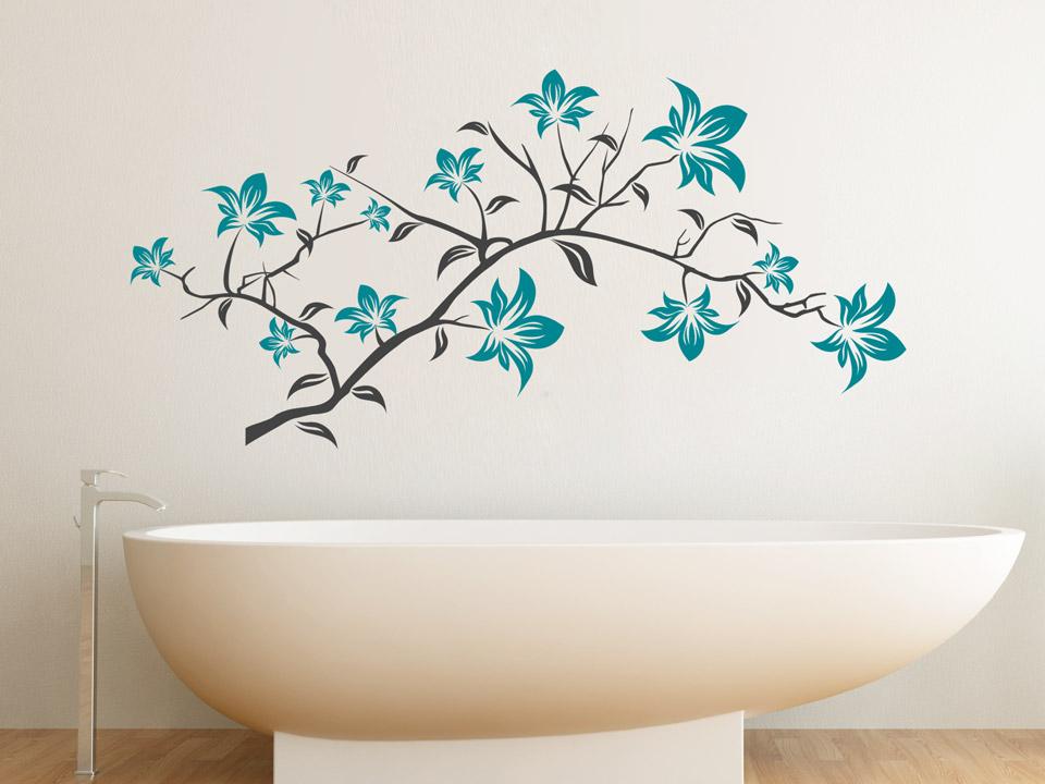 Wandtattoo Zweig Mit Lilien Im Badezimmer