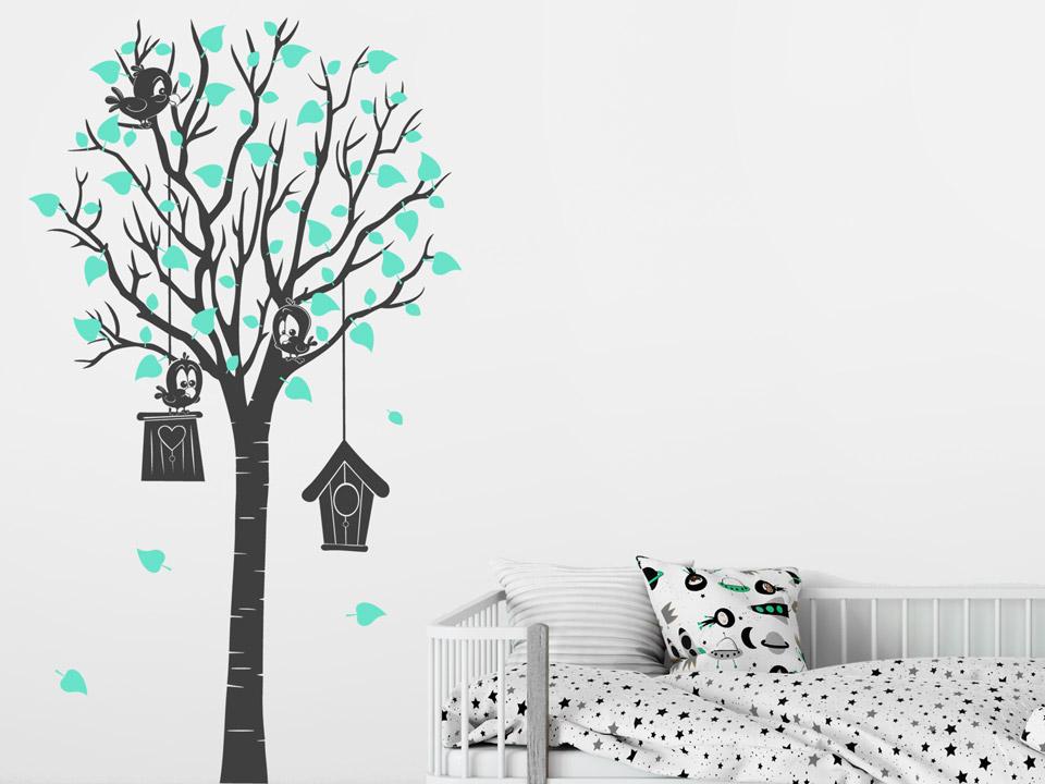 Wandtattoo Baum Mit Vogelhäuschen Und Vögeln Im Kinderzimmer. Wandtattoo  Baum Mit Vogelhäuschen Und Vögeln Im.