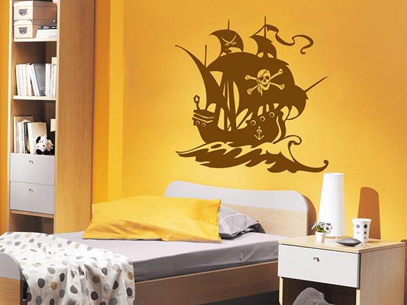 wandtattoo piraten schiff mit piratenflagge auf dem segel. Black Bedroom Furniture Sets. Home Design Ideas